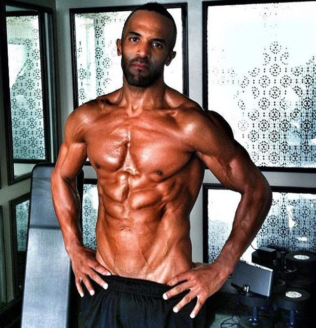 Craig David, exercising, six pack, i
