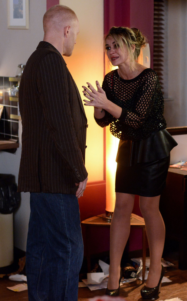 Max learns that Kirsty is not pregnant.