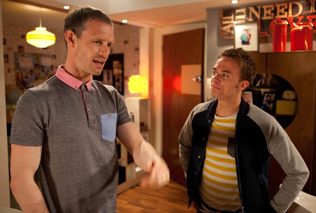 8158: David manages to plant thoughts in Nick's mind, suggesting there's something going on again between Leanne and Peter
