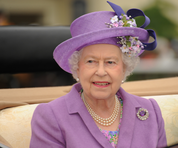 Queen arrives at Royal Ascot