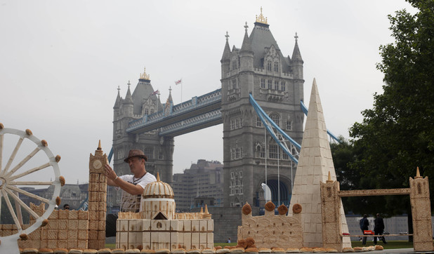 Lennie Payne's London landmarks created using bread