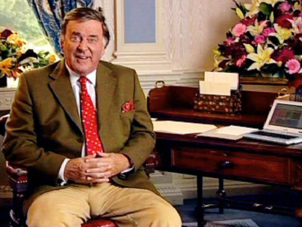 http://i1.cdnds.net/13/26/618x465/terry-wogan.jpg