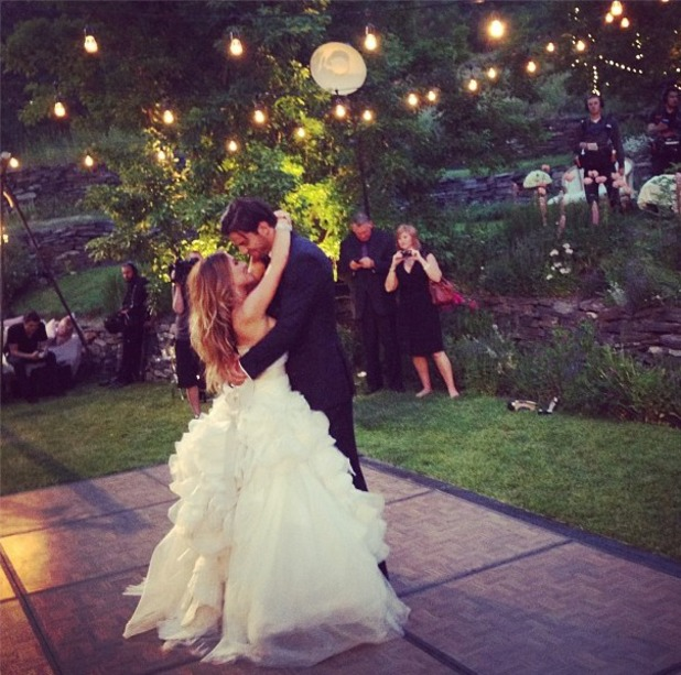 Eric Decker marries Jessie James