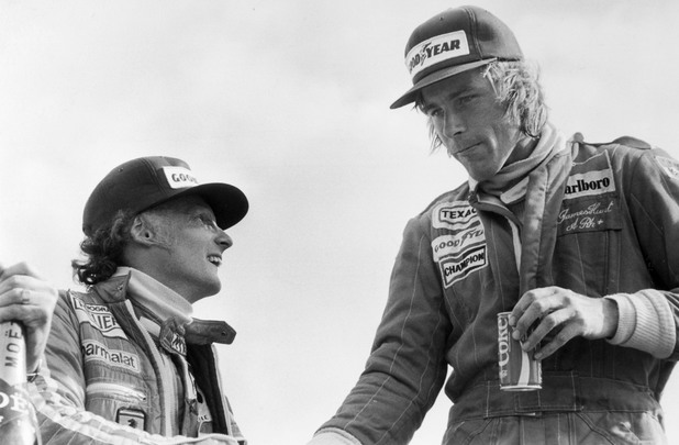 Niki Lauda (L) and James Hunt (R), 1977 British grand prix at Silverstone