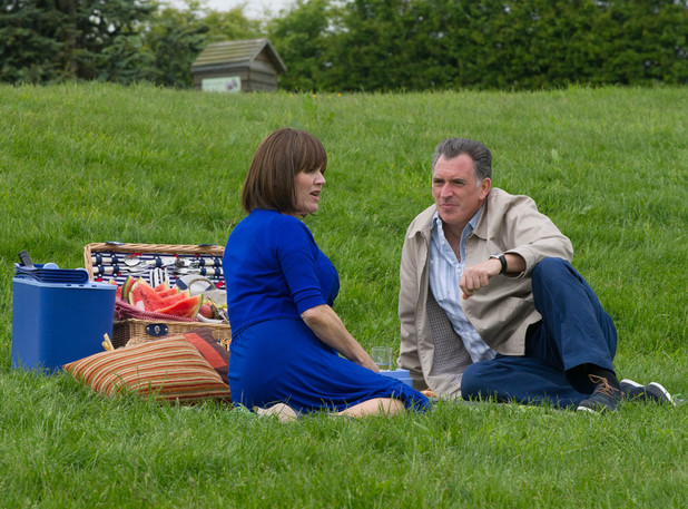 Brenda finally agrees to have a picnic with Bob.
