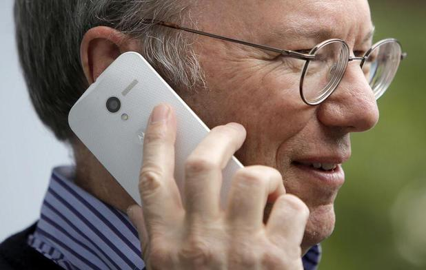 Eric Schmidt with a mystery Motorola device