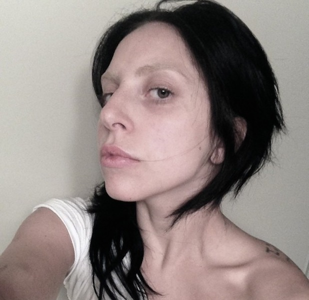Lady GaGa posts makeup-free image on Littlemonsters.com