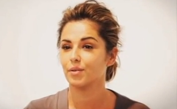 Cheryl Cole ditches heavy make-up for L'Oreal
