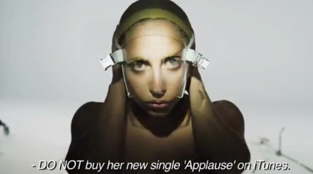 Lady GaGa, 'Lady Gaga is Over' promo videa, Artpop