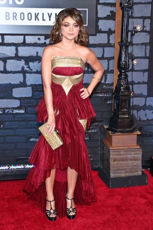 Sarah Hyland 2013 MTV Video Music Awards - Arrivals at the Barclays Center