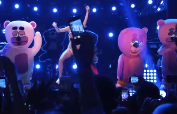Miley Cyrus performs at the MTV VMAs