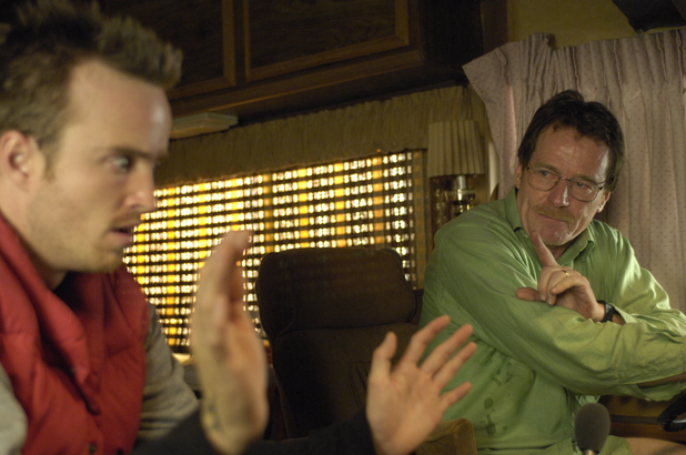 Breaking Bad S01E02: Jesse Pinkman (Aaron Paul) and Walter White (Bryan Cranston)