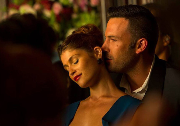 Gemma Arterton and Ben Affleck in 'Runner, Runner'