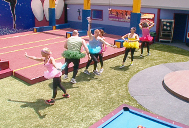 Big Brother USA:  Housemates compete in the Veto competition