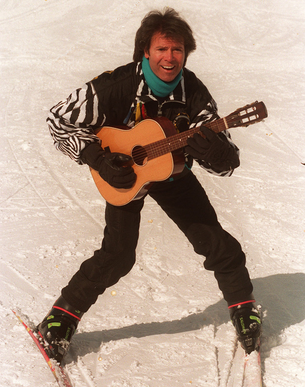 PA NEWS PHOTO 28/3/95 CLIFFF RICHARD IS ENJOYING HIS WINTER HOLIDAY WHILST SKIING IN LECH, AUSTRIA AT THE SAME TIME AS THE PRINCESS OF WALES AND HER SONS THE TWO PRINCES WILLIAM AND HARRY.