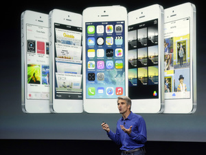 Craig Federighi talks about iOS 7