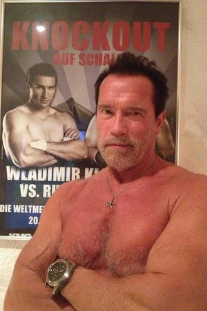 Arnold Schwarzenegger repays the compliment to Wladimir Klitschko