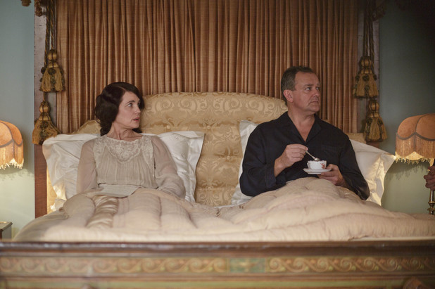 Elizabeth McGovern and Hugh Bonneville as Lord and Lady Grantham in Downton Abbey series 4.