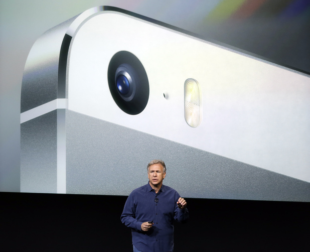 Phil Schiller talks about the camera quality during the introduction of the new iPhone 5s.