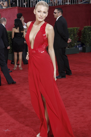 Blake Lively arrives at the 61st Primetime Emmy Awards on Sunday, Sept. 20, 2009, in Los Angeles
