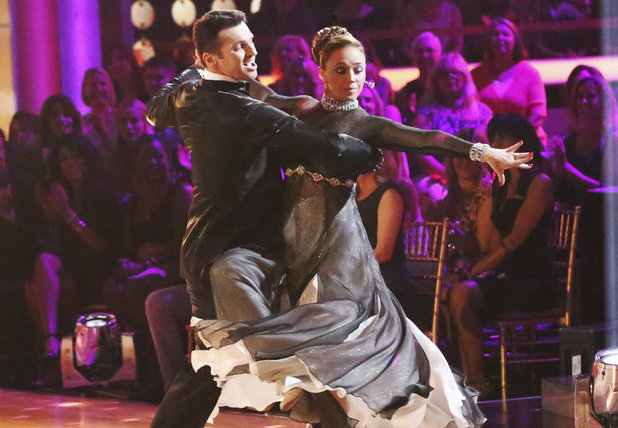 Dancing With The Stars Fall 2013, episode1: Leah Remini and Tony Dovolani