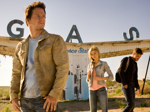 Mark Wahlberg, Nicola Peltz, Jack Reynor in Transformers: Age of Extinction