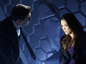 Brett Dalton and Chloe Bennet in 'Marvel's Agents of SHIELD' episode 1
