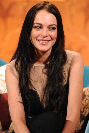 Lindsay Lohan appears on Alan Carr Chatty Man