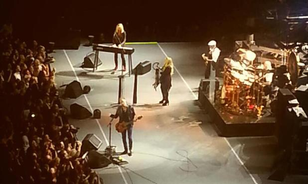 Christine McVie joins Fleetwood Mac on stage