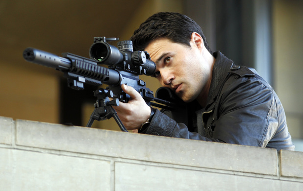 Brett Dalton in 'Marvel's Agents of SHIELD' episode 1