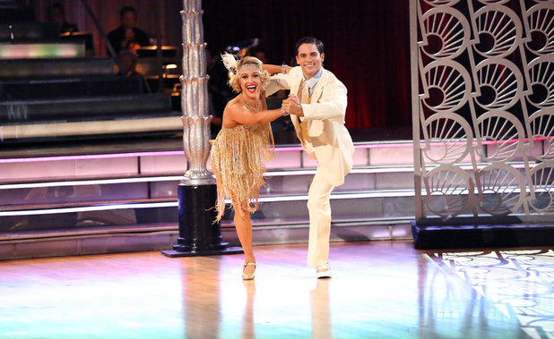 Dancing With The Stars (Fall 2013) episode 3: Peta Murgatroyd & Brant Daugherty