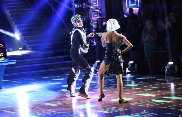 Dancing With The Stars (Fall 2013) episode 3: Bill Nye & Tyne Stecklein