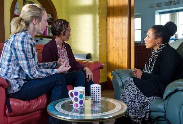Will Ruby be able to go through with finally telling her mother she and Ali are a couple?