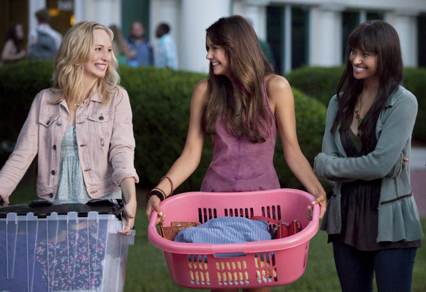 Candice Accola as Caroline and Nina Dobrev as Elena in 'The Vampire Diaries' S05E01: 'I Know What You Did Last Summer'