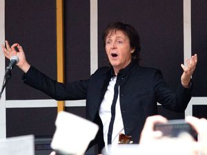 Paul McCartney in surprise New York gig