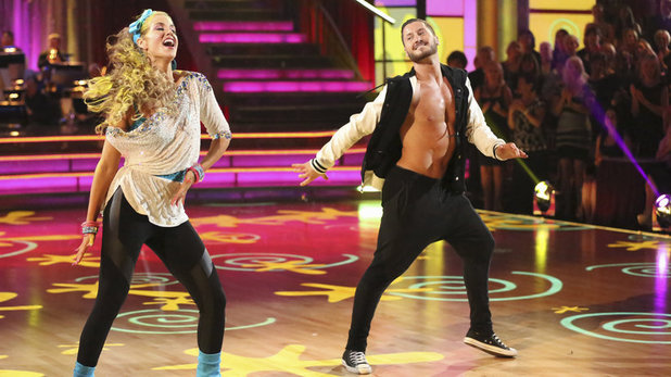 Dancing With The Stars (Fall 2013) episode 5: Elizabeth Berkley & Val Chmerkovskiy