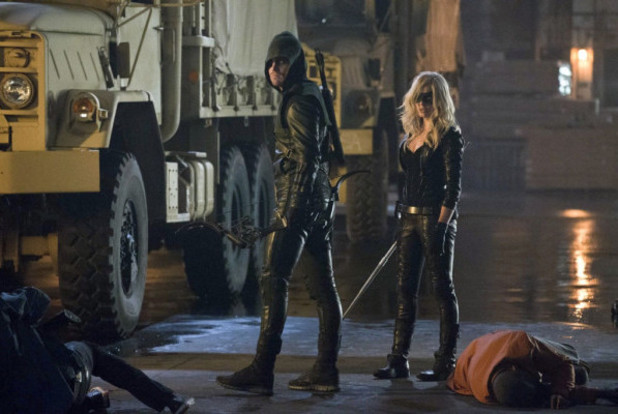 Stephen Amell, Caity Lotz in 'Arrow' season 2