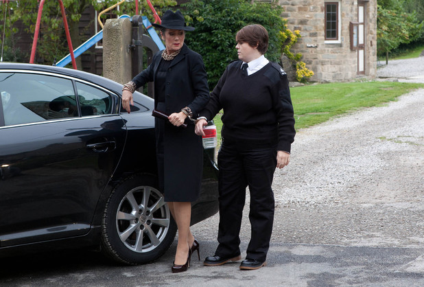 Steph arrives for her father's funeral.