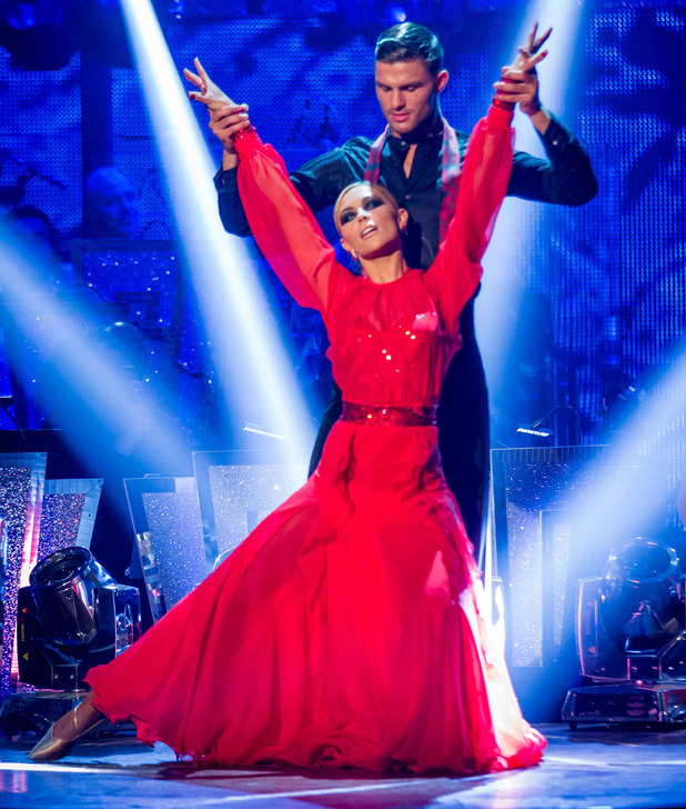 Abbey and Aljaz dance the Tango