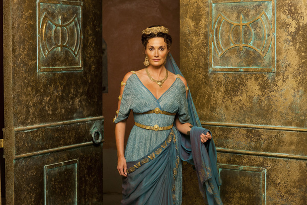 Sarah Parish as Pasiphae in 'Atlantis' S01E05