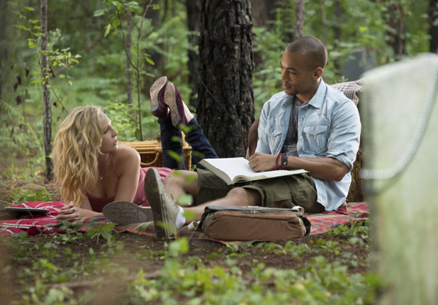 Candice Accola as Caroline and Kendrick Sampson as Jesse in The Vampire Diaries S05E04: 'For Whom The Bell Tolls'