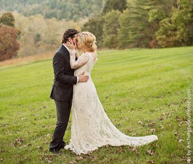 Kelly Clarkson and Brandon Blackstock on their wedding day