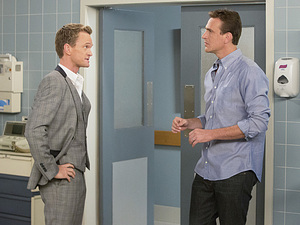 Neil Patrick Harris as Barney, Jason Segel as Marshall in How I Met Your Mother: 'No Questions Asked'