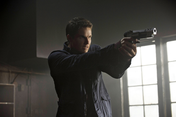 Robbie Amell as Stephen  in 'The Tomorrow People' S01E04 'Kill Or Be Killed'