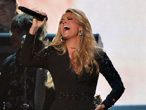 Carrie Underwood at the 2013 Country Music Awards