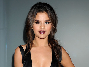 Flaunt Magazine November Issue Party, Los Angeles, America - 07 Nov 2013 Selena Gomez