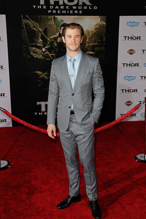 Chris Hemsworth Premiere of Marvel's 'Thor: The Dark World' at the El Capitan Theatre