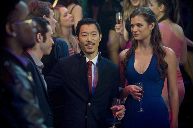 Peyton List as Cara Coburn and Aaron Yoo as Russell Kwon in 'The Tomorrow People' S01E05: 'All Tomorrow's Parties'