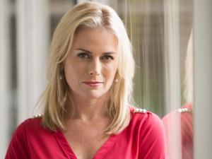 Kate Kendall as Lauren Turner.