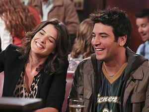 Cobie Smulders as Robin and Josh Radnor as Ted in How I Met Your Mother: 'Platonish'